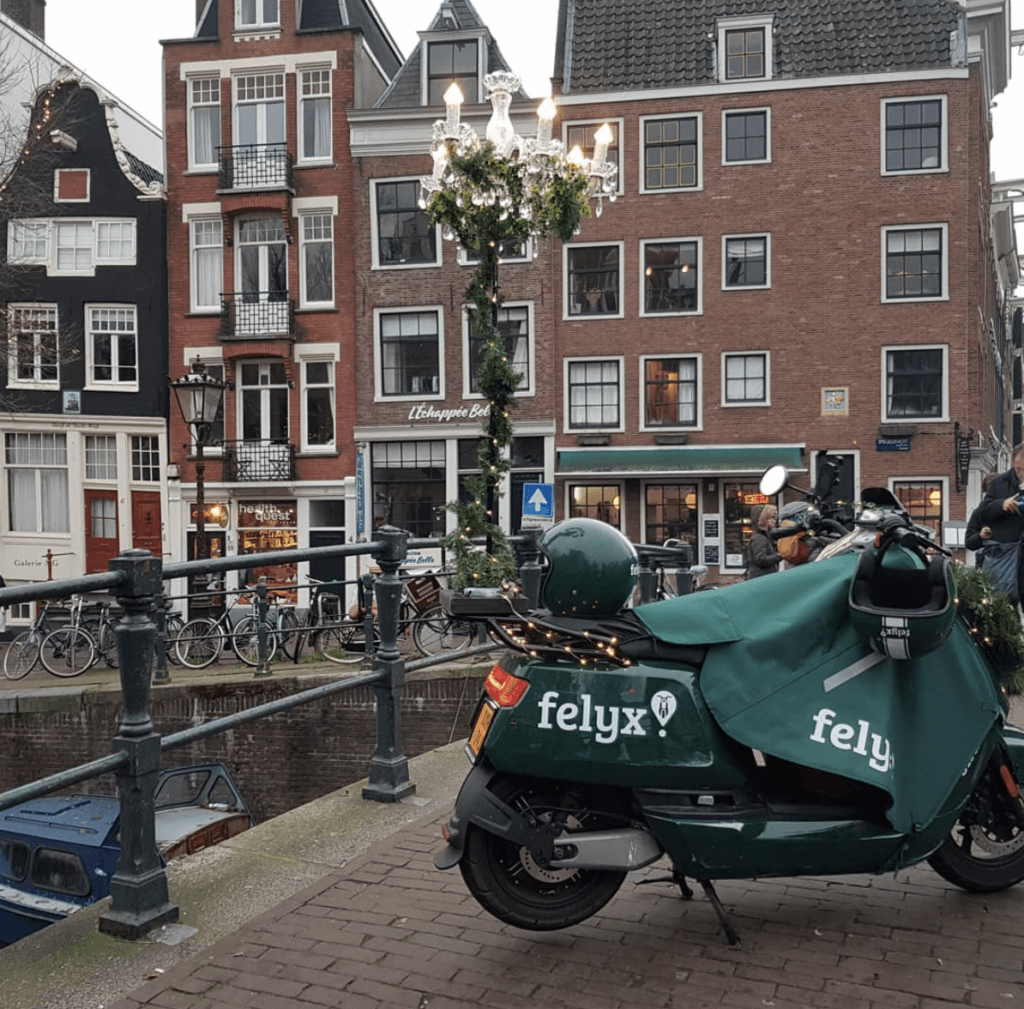 Felyx scooter like a local Amsterdam